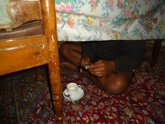 Azon under table